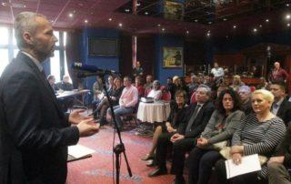 """Aleksandar Olenik govori na osnivačkoj skupštini """"Građanskog demokratskog foruma"""""""